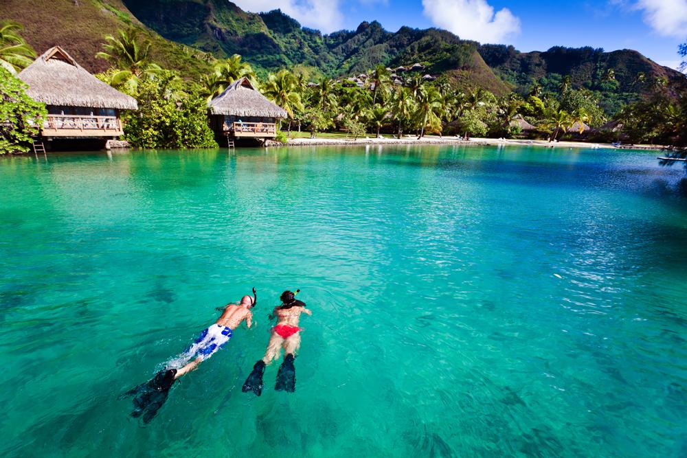 Couple Snorkeling - Uniquemoons